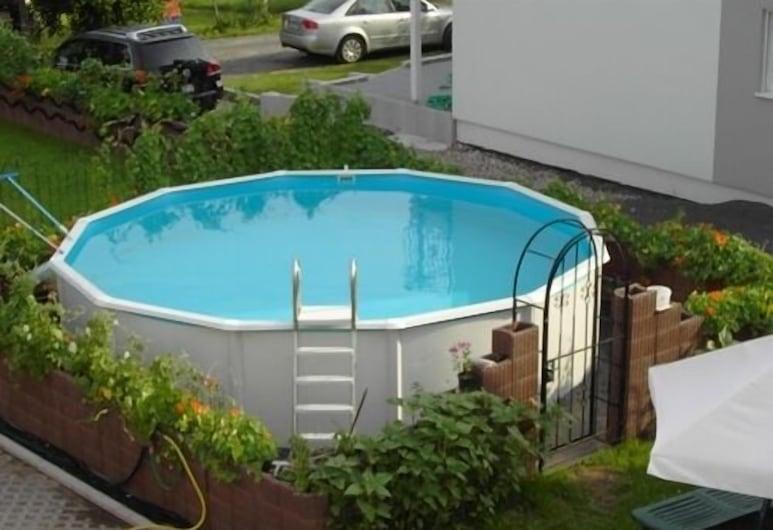 赫司科希豪斯飯店, 羅斯多夫 , 泳池瀑布