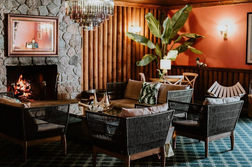Northridge Inn Resort Strong Hotel Lounge