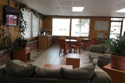 史東姆湖經濟飯店汽車旅館/