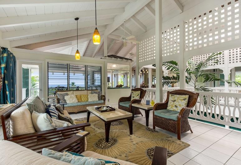 Big Island Retreat, Kailua-Kona, Luxury Suite, Living Area