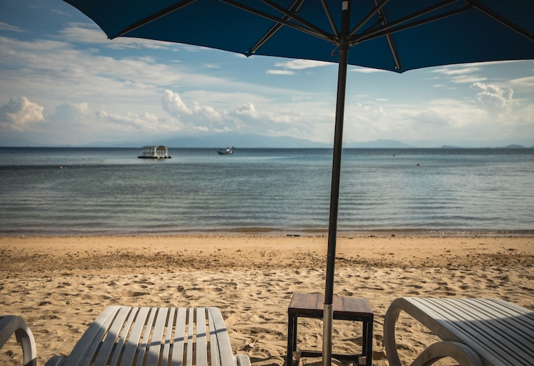 Alunan Resort, Pulau Perhentian Kecil, Beach