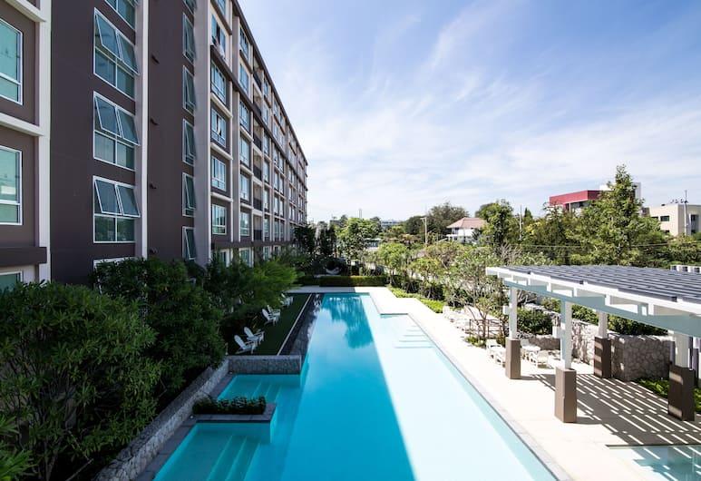 海濱首選套房, Hua Hin, 室外泳池