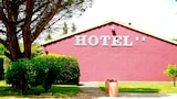 Choose This 2 Star Hotel In Saint-Martin-les-Melle