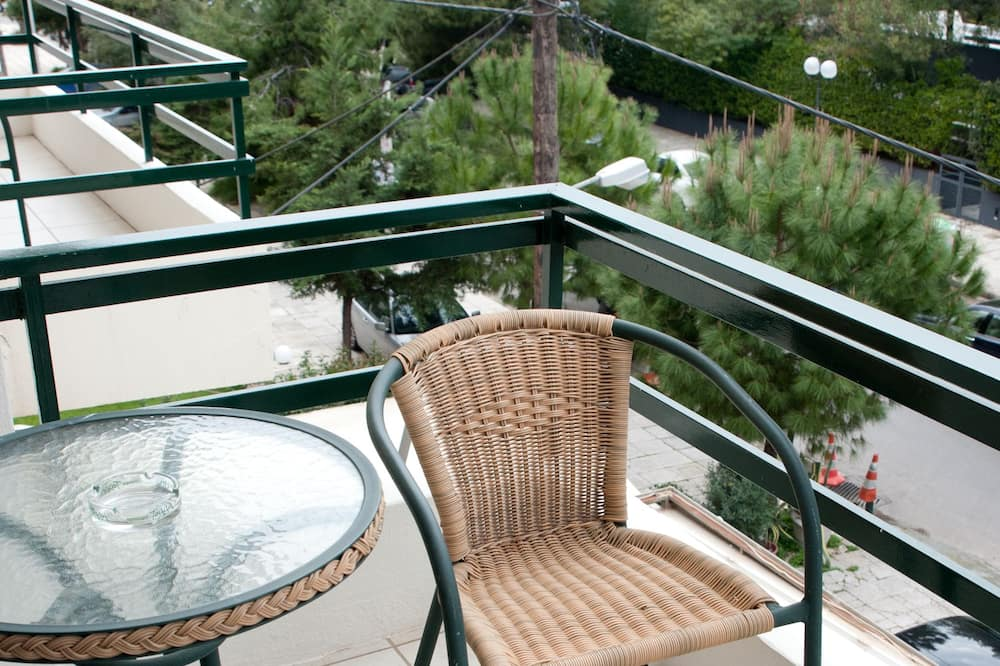 Kambarys (1 dvigulė / 2 viengulės lovos) - Balkonas