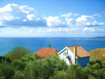 Picture of Aeolos Studios in Kefalonia
