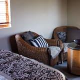 Шале категорії «Комфорт», 2 спальні, з частковим видом на озеро, на схилі погорба - Обіди в номері