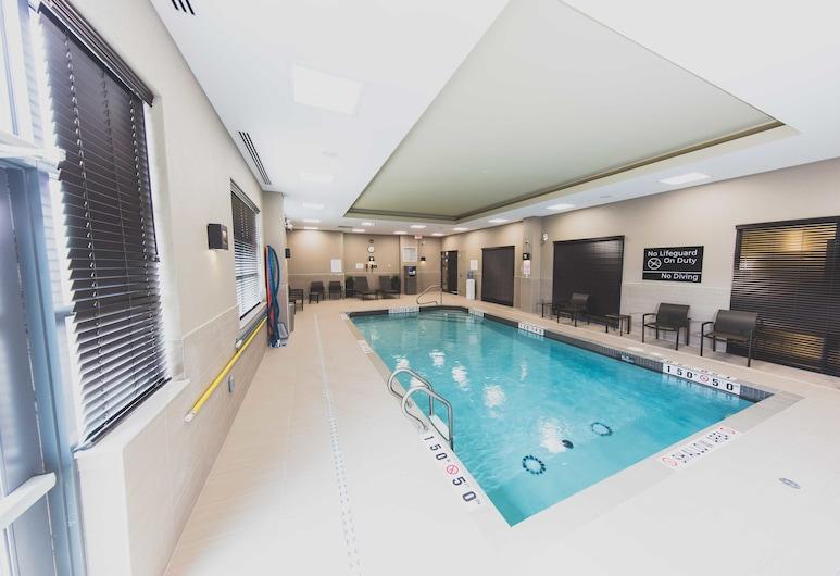 Hampton Inn & Suites by Hilton Bolton, ON, Canada, Caledon, Sisäuima-allas
