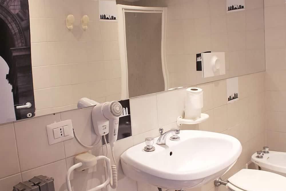 PREMIUM PRIVATE Mixed Dorm 6 People - Bathroom