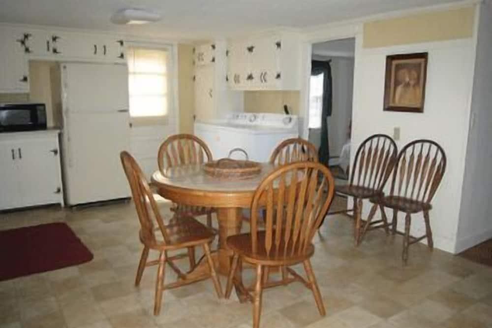 Standarddupleks - 3 soveværelser - have-område - Spisning på værelset