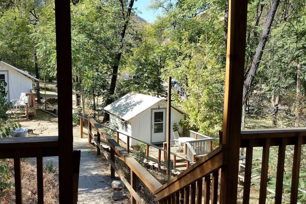 Deluxe Tent Cabin - ระเบียง