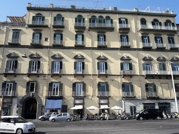 Picture of Bed & Breakfast Palazzo Satriano in Naples