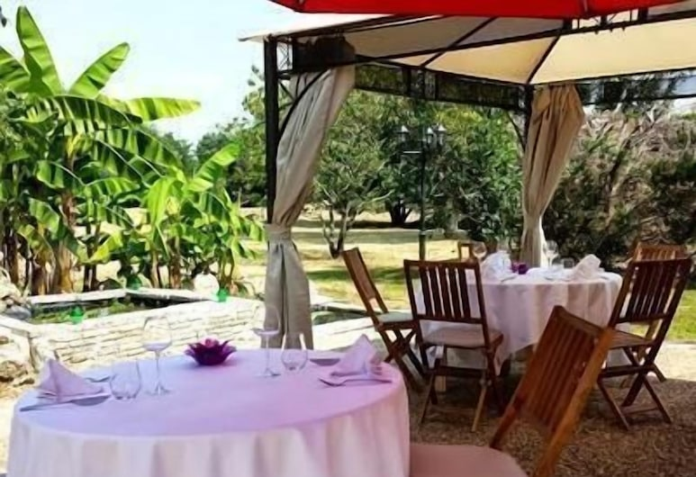 Hôtel Les Rives du Plantié, Le Temple-sur-Lot, Restaurante al aire libre