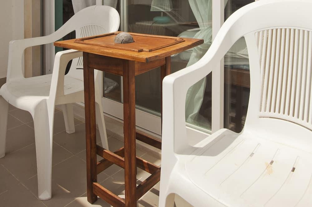 חדר זוגי, חדר רחצה משותף, נוף לים (Turquoise Ocean) - מרפסת