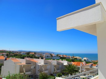 Picture of Ericeira Chill Hill Hostel & Private Rooms in Mafra