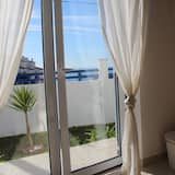 Shared Dormitory, Mixed Dorm, Shared Bathroom (Mussel 6 Beds) - Terrace/Patio