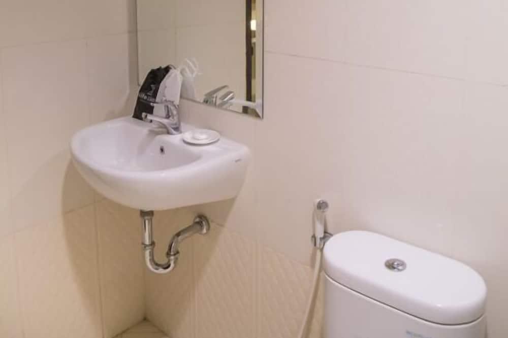 Nite Double Smoking - Bilik mandi