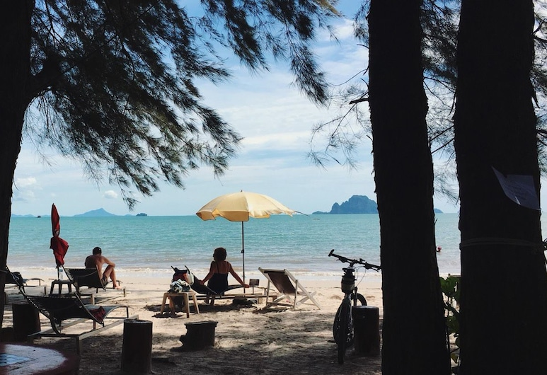 J2B Beach Bungalows, Krabi