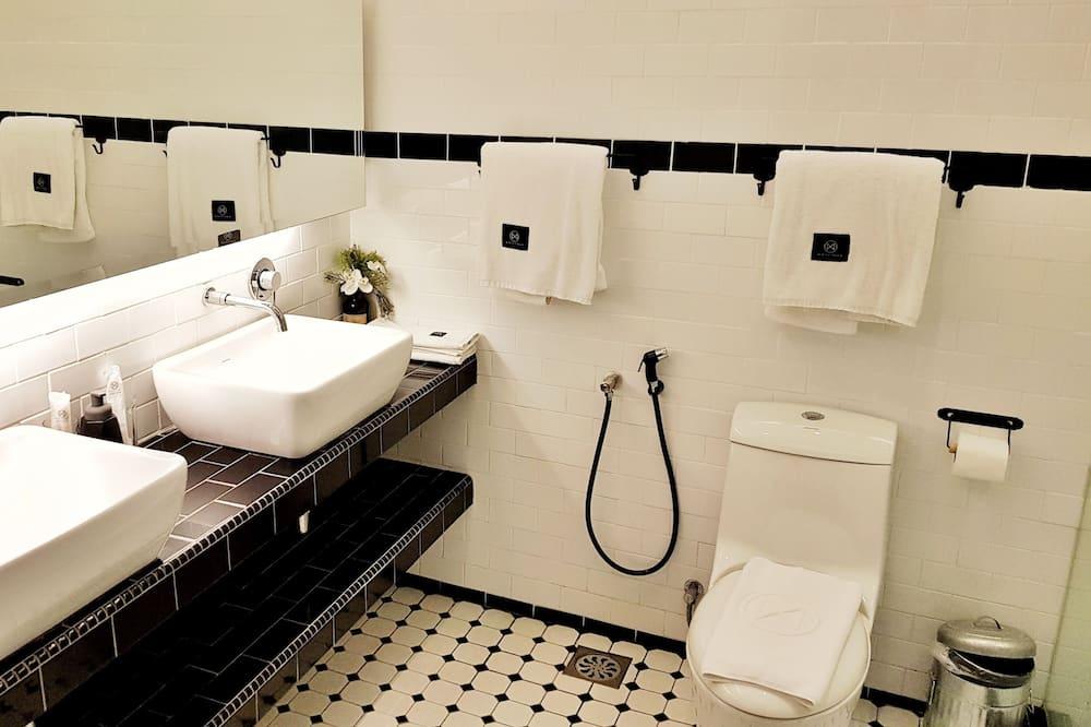 Premier tuba, 1 ülilai voodi - Dušš