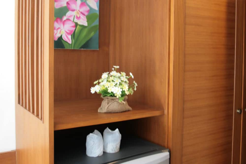 Standard Room with Breakfast  - Lemari Es Mini