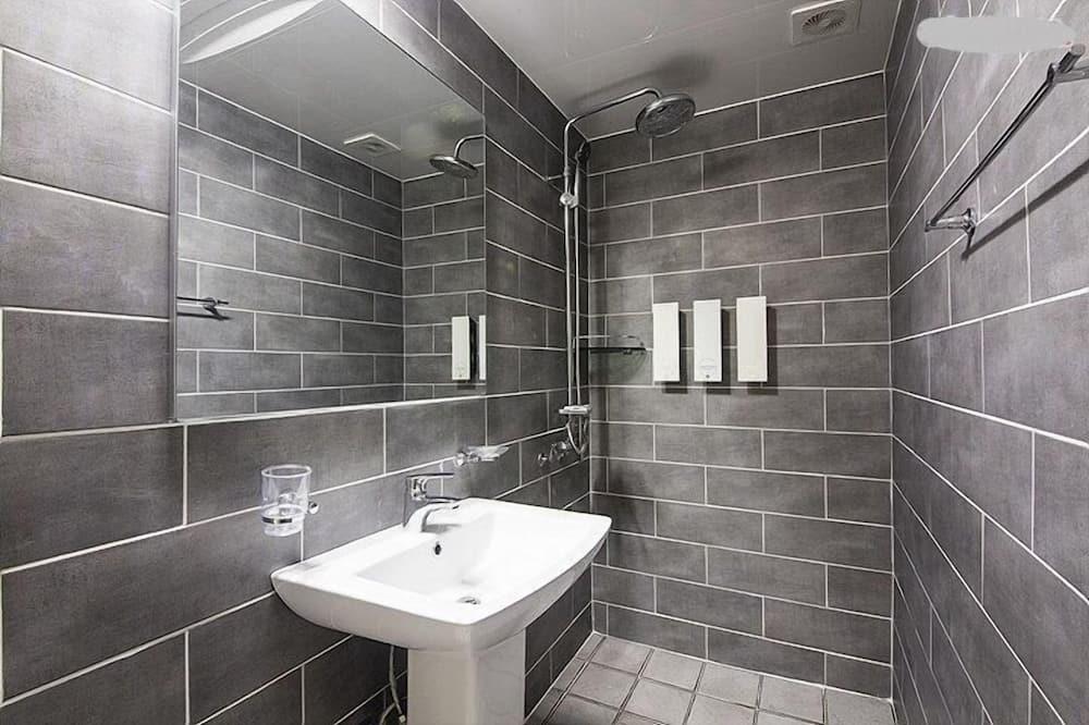 Family Pension Room  - Bathroom