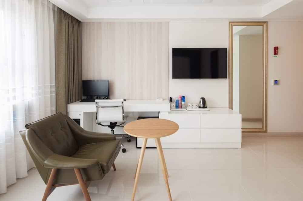 Стандартный двухместный номер с 1 двуспальной кроватью - Гостиная