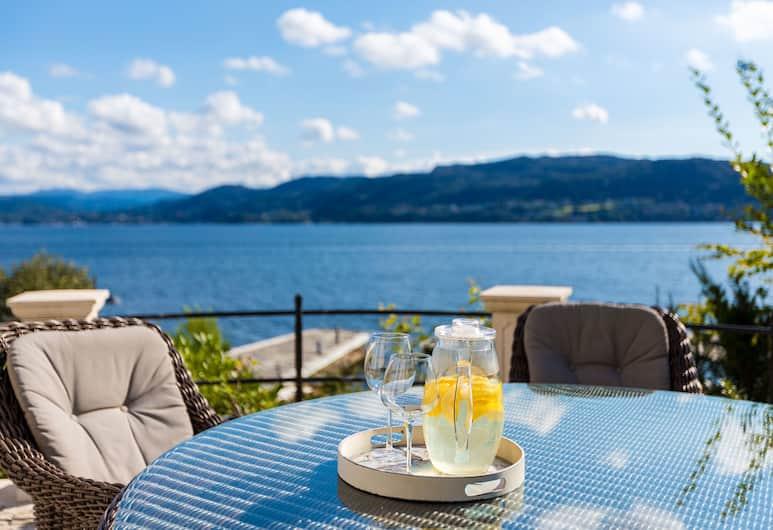 Villa Charlotte, Bergen, Terrass