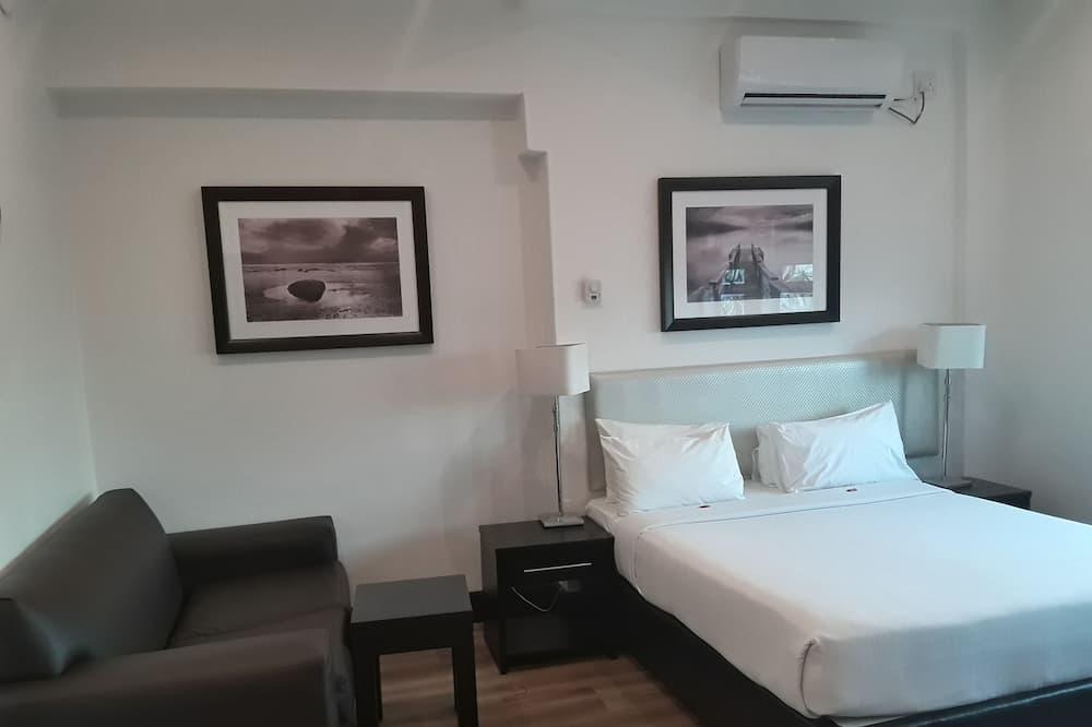 Habitación, 1 cama de matrimonio, microondas - Zona de estar