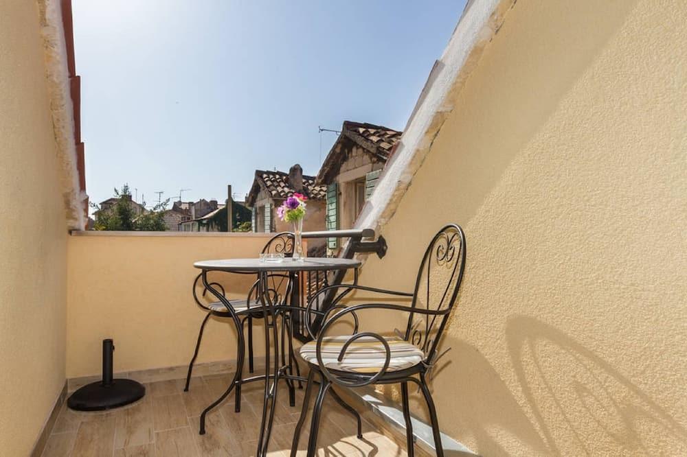 Studio Confort, balcon, vue ville - Balcon