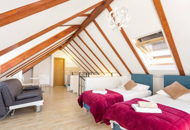 Peruzovic Rooms & Apartments, Split, Comfort stuudio, rõduga, vaade linnale, Tuba