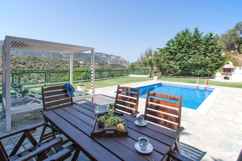 Luxury Villa, 2 Bedrooms, Private Pool, Garden Area - Private pool