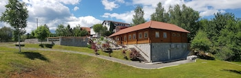 Enter your dates for our Rakovica last minute prices