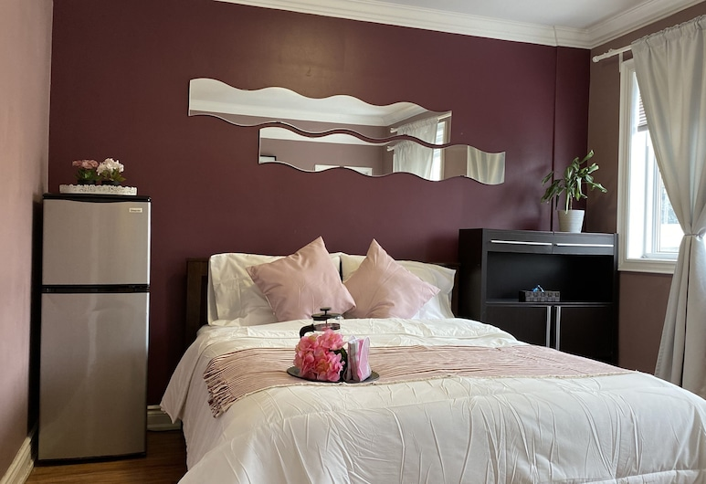 Kashaneh Guest House - 27 Greenbriar, Toronto, Economy-værelse - 1 queensize-seng - eget badeværelse (Shared Kitchen), Værelse