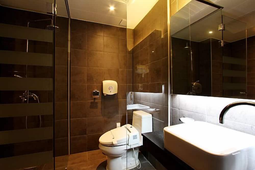Deluxe Room (A) - Bathroom