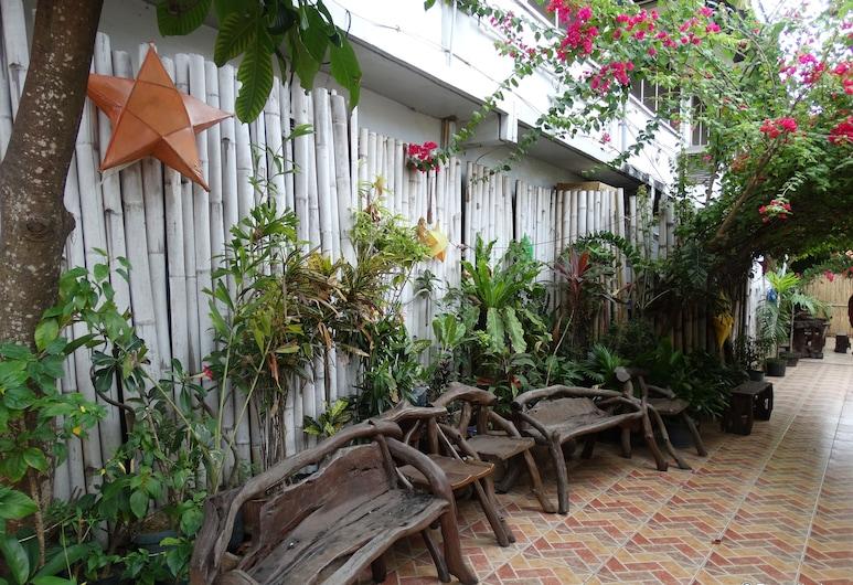 Circon Businessman's Inn, Puerto Princesa, Terraza o patio