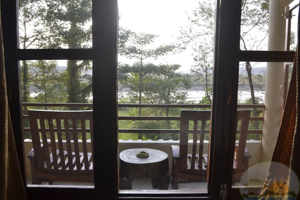 Deluxe Double Room, 1 King Bed - Balcony View