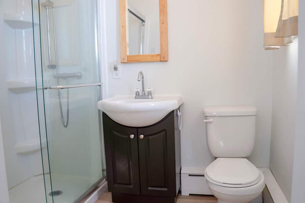 Family Suite, 1 Queen and 1 double bed, Private Bathroom, sea view - Bathroom