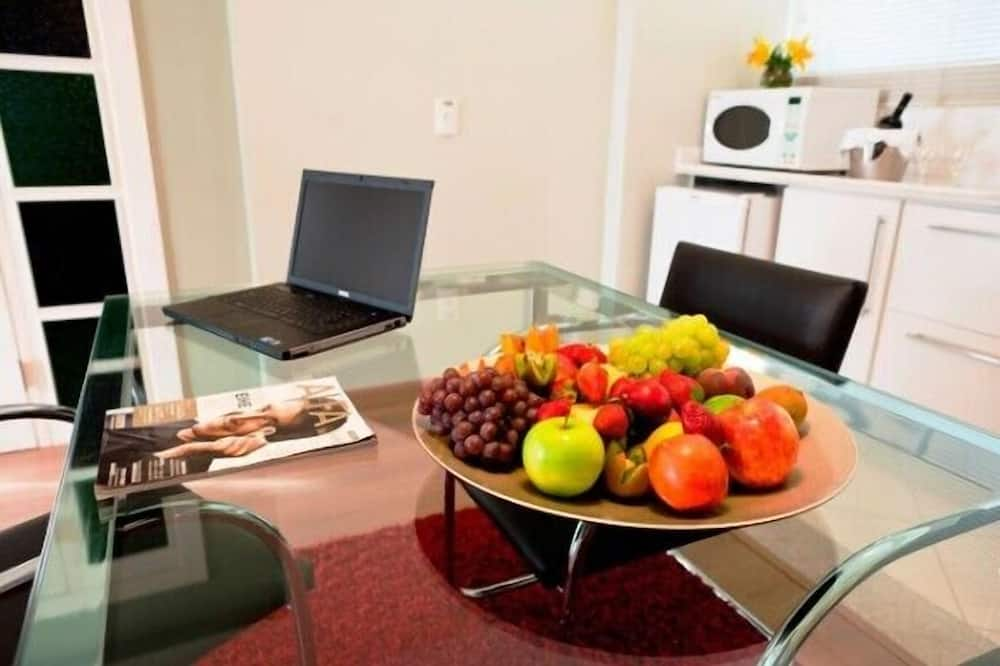 Suite (Alfa) - In-Room Dining