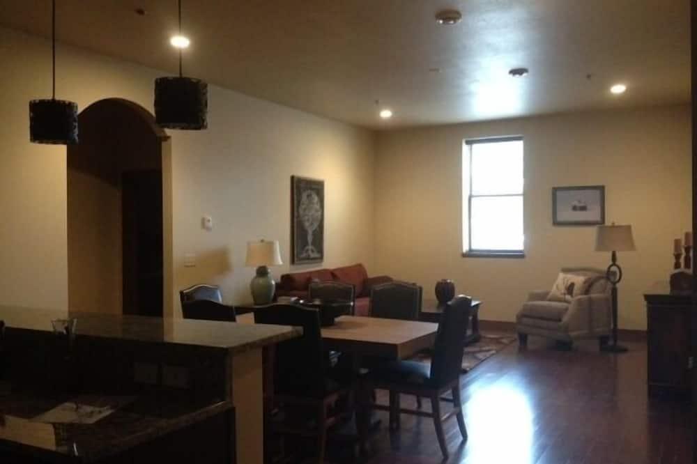 Traditional Δωμάτιο, 1 Υπνοδωμάτιο, Κουζίνα - Περιοχή καθιστικού