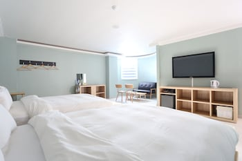 Enter your dates to get the Gangneung hotel deal