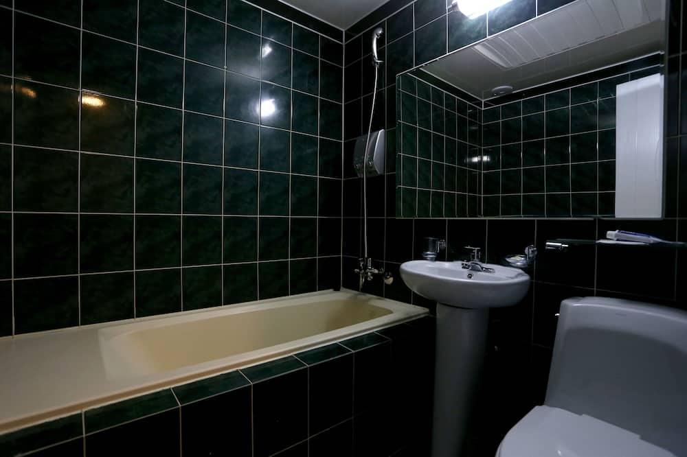 Standard Ondol Room - Bathroom