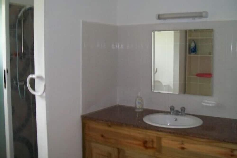 Bungalov, 1 ložnice, výhled na hory - Umyvadlo vkoupelně