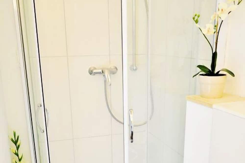 Habitación doble, 1 cama doble, baño compartido - Cuarto de baño