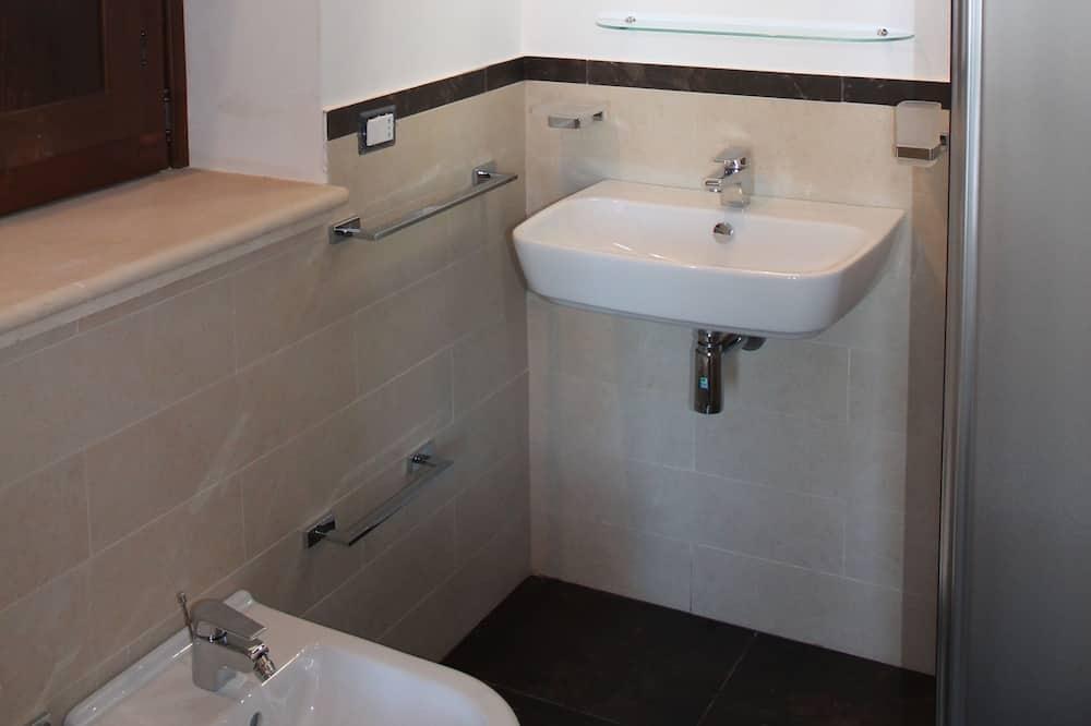 Kamar Standar, 1 kamar tidur, pemandangan kebun - Kamar mandi