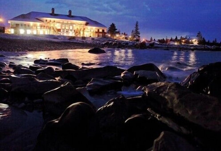 White Point Beach Resort, Hunts Point, Hotel Front – Evening/Night
