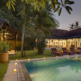 Royal Villa, Private Pool - Garden View