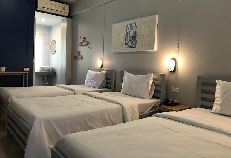 S1 Hostel, Bangkok, Triple Room, Guest Room