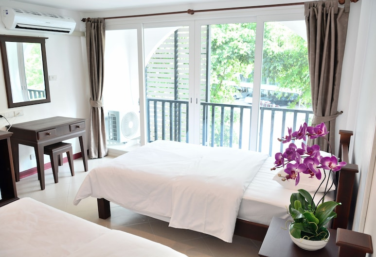Seedling House, Pattaya, Deluxe Room, Balcony, Guest Room