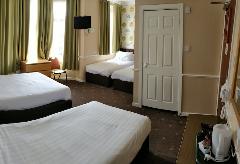 The Lawton Hotel, Blackpool, Family Room 5 (double bed + single bed), Guest Room