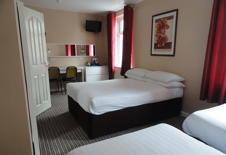 The Beechfield, Blackpool, Family Triple Room, Guest Room