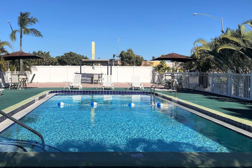 Sunshine Inn & Suites Venice, FL